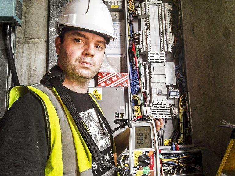 The latest IET Wiring Regs Certification Online Course with XS Training